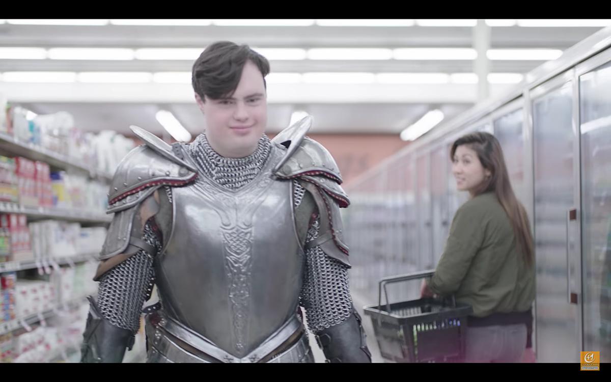 「如果我們都要穿上大盔甲……」